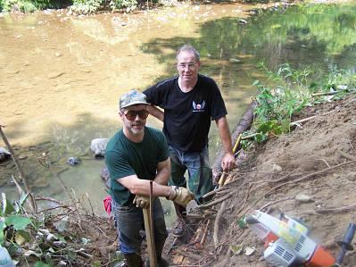 FTTU volunteers at work on a log vane